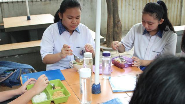 Cara Mengurangi Sampah Plastik di Sekolah