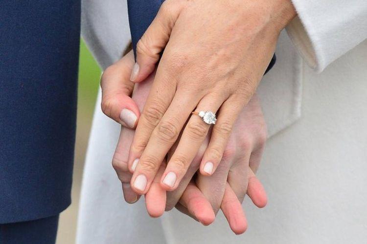 Tips Memilih Cincin Berlian Emas Putih